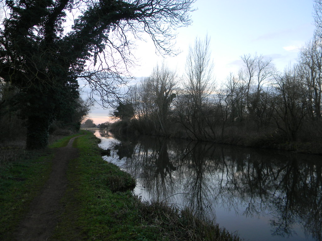 Along the canal Aldermaston to Woolhampton. Kennet & Avon