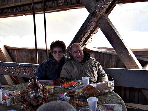 HPIM1349a-Doug & Linda-Dinner on the Bridge