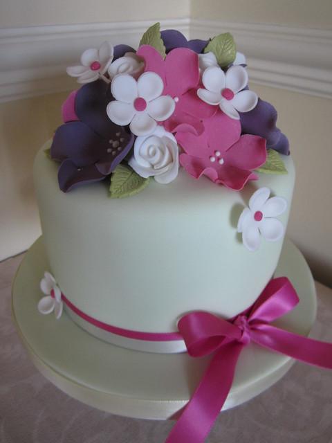 Small Round Cake Design : 6811501509_d11a3bef62_z.jpg
