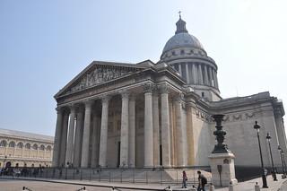http://hojeconhecemos.blogspot.com/2012/02/place-du-pantheon-paris-franca.html