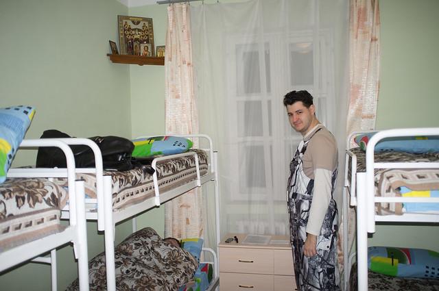 В монастырской гостинице