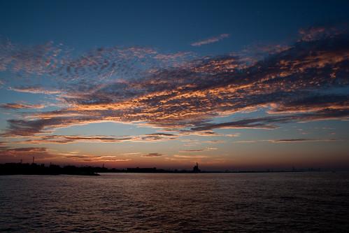 sunset sun chicago clouds bigcity chicagoist lakemichicagn whitingindiana