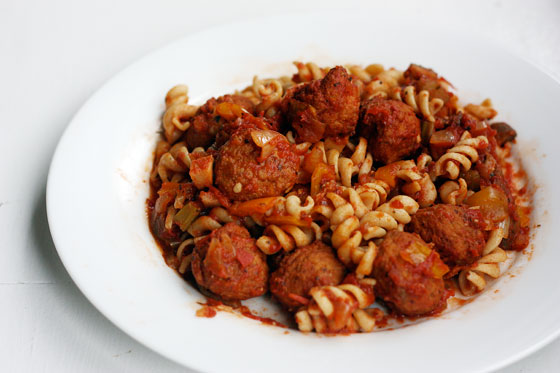 The Domestic Wannabe: crock pot turkey meatballs in italian sauce
