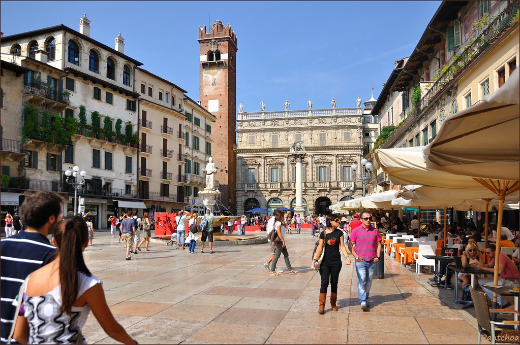 Verona : Piazza delle Erbe