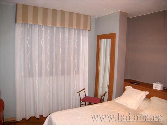 Decoraci n para dormitorios cl sicos cortinas con dobles - Tapicerias en zaragoza ...
