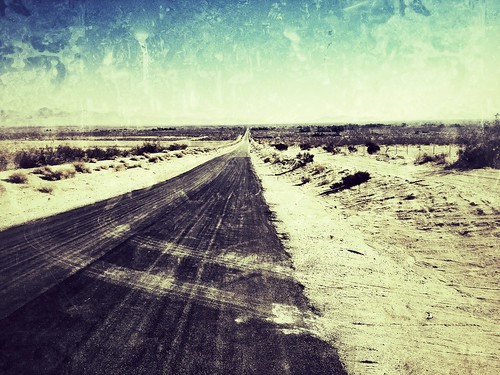 Desert Road by tinscho