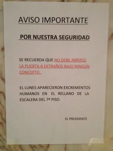 Aparentemente, la mierda es siempre extraña by Jose Manuel Paredes