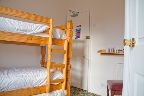 En-suite twin at Llandudno Hostel