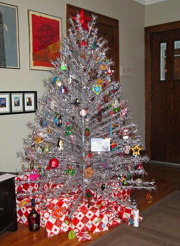 christmas tree, fully stocked (355/365)