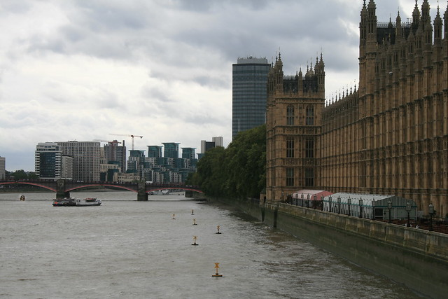 Río Támesis y el Palacio de Westminster