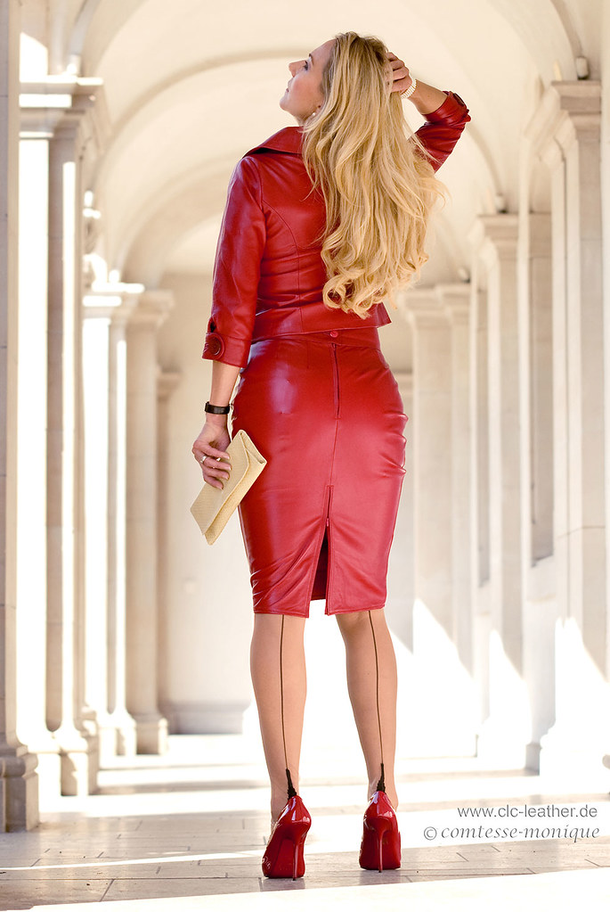 comtesse-monique_red leather skirt suit, seamed stockings, pointed heels, suspender bumps (4)