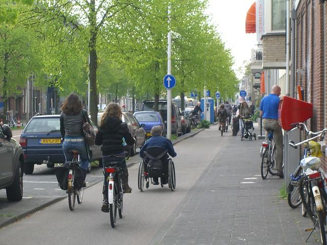 Односторонняя велодорожка в Утрехте