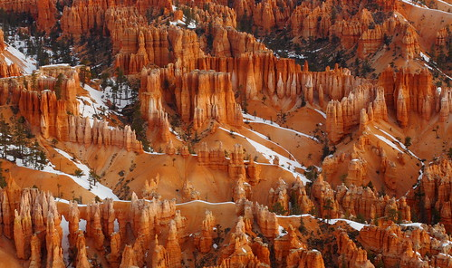 Bryce Canyon: Hoodoos and lingering snow