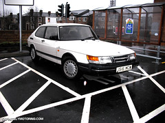 automobile, automotive exterior, wheel, vehicle, saab automobile, compact car, bumper, land vehicle, saab 900, luxury vehicle, hatchback,