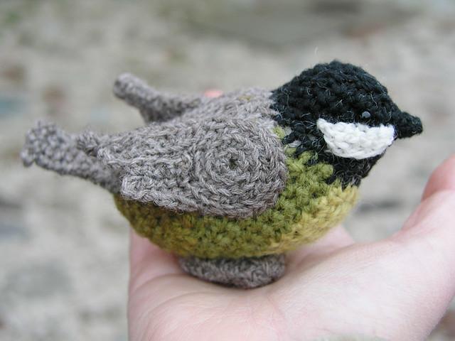 Crochet titmouse