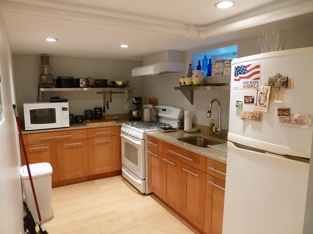 SMALL BUT COZY BASEMENT KITCHEN | Flickr - Photo Sharing!