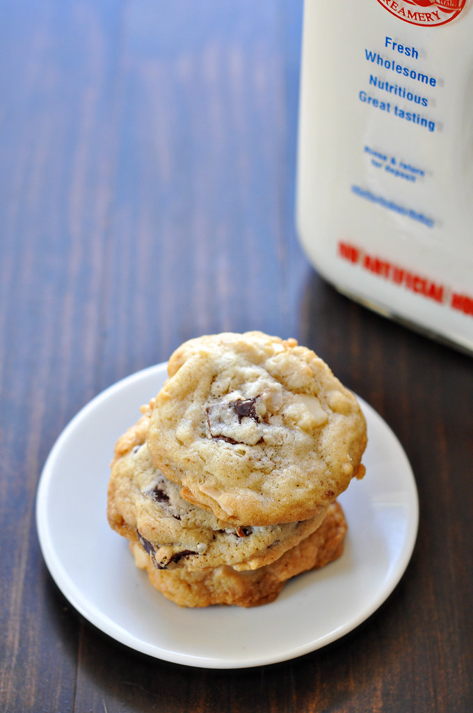 Chocolate Chunk Coconut Macadamia Nut Cookies