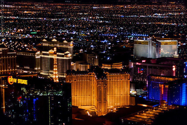 Helicopter ride over Las Vegas Strip - Flickr CC macahanc6r