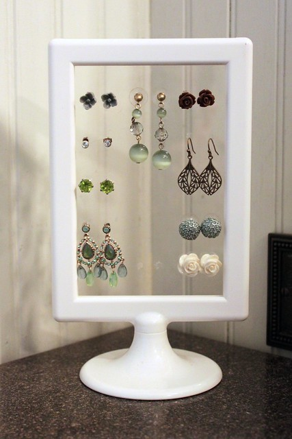 This Girl's Life: {DIY Earring Stand}