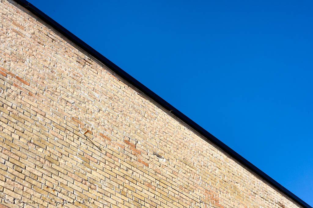 brick 'n blue