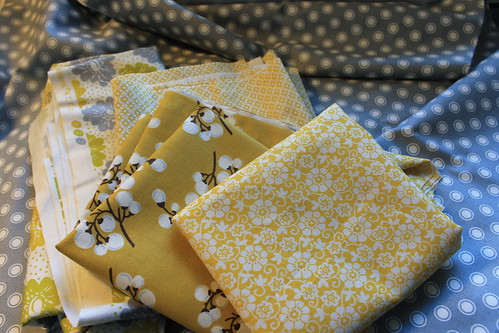 Yellow and gray quilt - stage 1