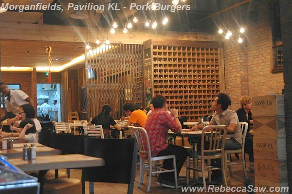 morganfields, pavilion kl - pork burgers-008