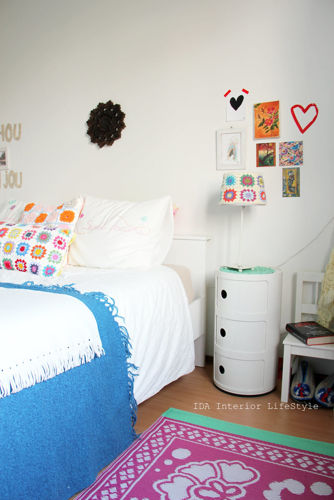 Thursday pics {wednesday ed. my bedroom}