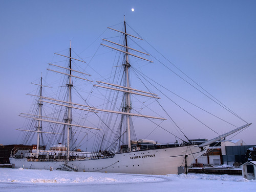 winter sky snow boat ship pvanhala