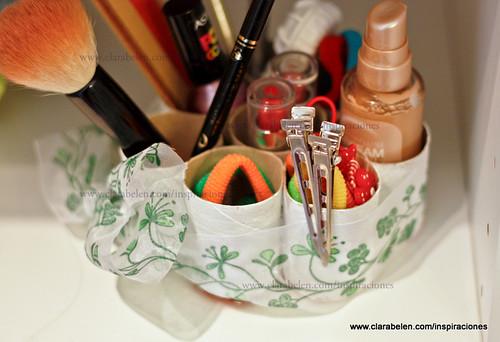 Optimizar espacio: organizar cosméticos y gomas