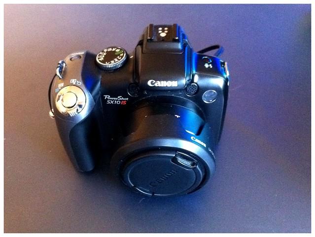 Canon Powershot SX10 IS (Ersatzbatterien und Ersatz-SD-Karte eingepackt)