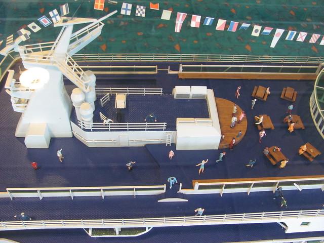 Model deck 9