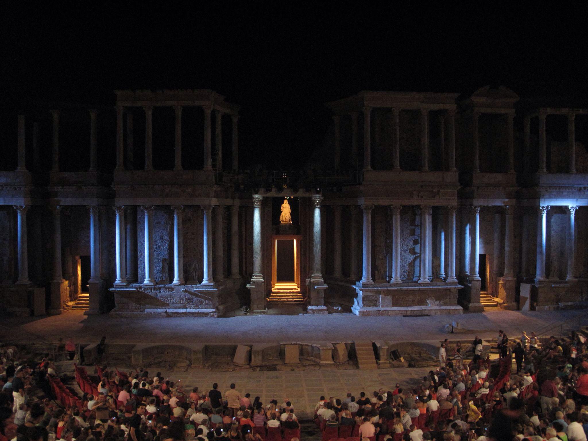 ceres_livia_valva regia_teatro romano_augusto