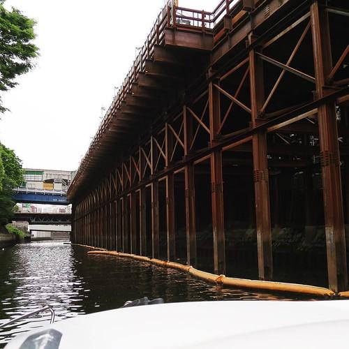古い遺跡のようにも見える、工事現場。 #神田川 #御茶ノ水 #ヤマハマリン #勝どきマリーナ