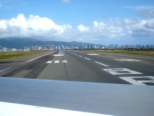 Honolulu Airport Runway 8R  Flickr  Photo Sharing