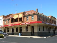 Wade Hotel, Leeton