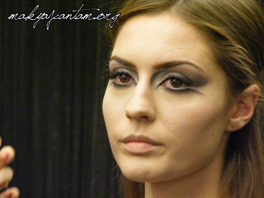 glitter ice makeup_23
