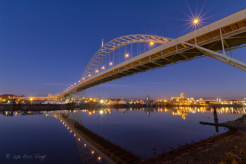 bridge blue reflection river portland dusk pdx willametteriver willamette freemontbridge portlandbridges