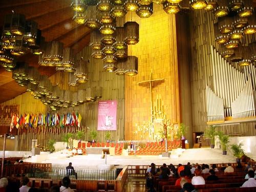 Altar de la Basílica nueva