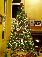 1st Christmas tree decorating ever <3