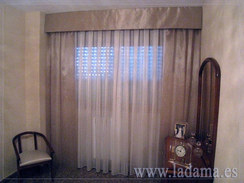 Fotograf as de dormitorios cl sicos la dama decoraci n for Cortinas clasicas elegantes