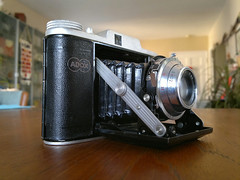 Including the photo would help... 1950s ADOX camera
