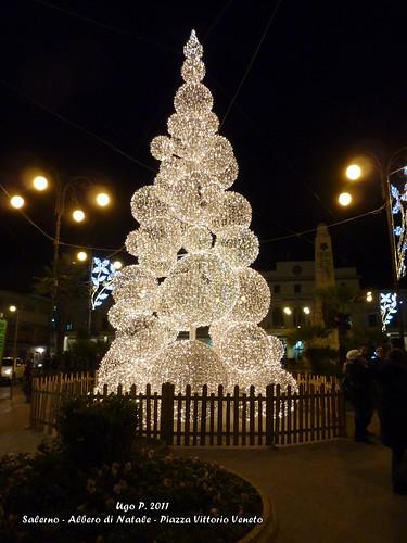 Salerno - Albero di Natale - Piazza Vittorio Veneto