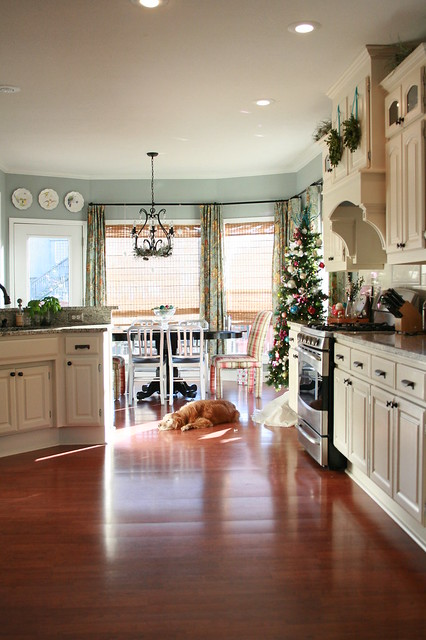 { holiday tour } The Kitchen