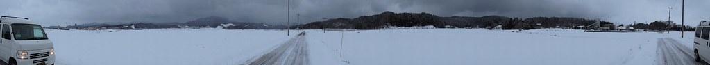 雪の中でパノラマスイング
