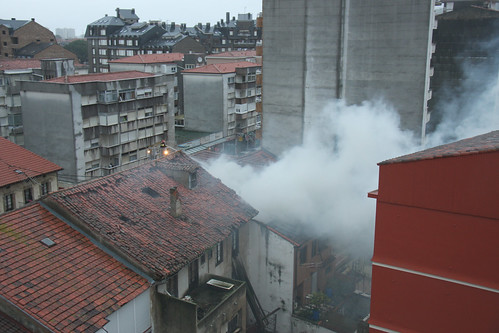 Fire in Colindres - Incendio en Colindres