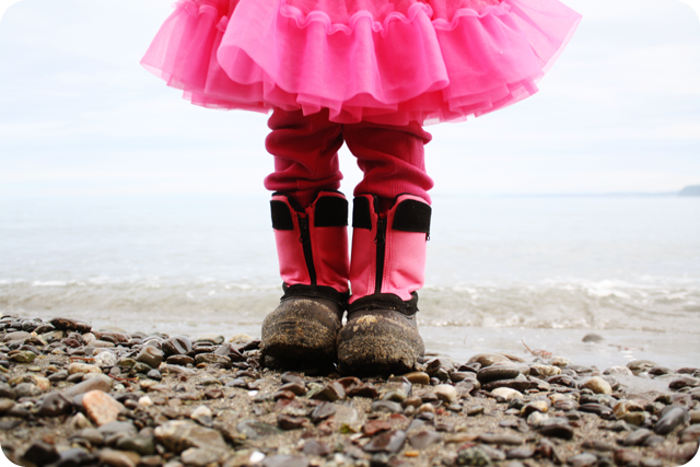 {pink} boots