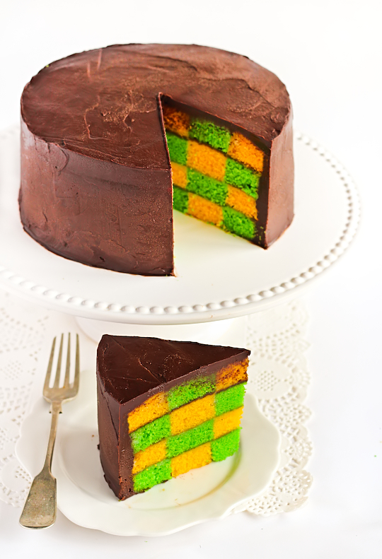green_gold_checkerboard_cake-6