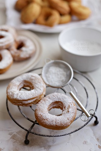 super easy donuts