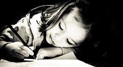 [フリー画像素材] 人物, 子供 - 女の子, モノクロ, 絵を描く, スペイン人 ID:201201190400