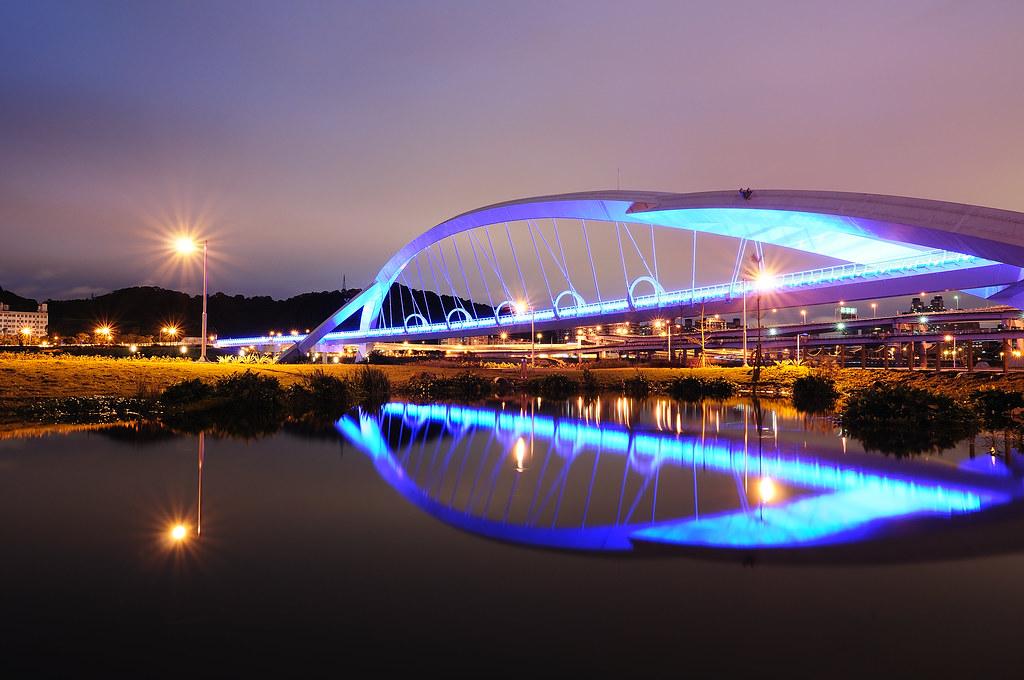 水映陽光橋